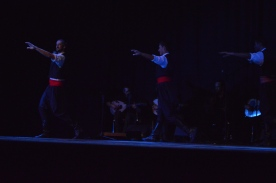 PARTHENON - Luzarches FRANCE - Ecoute et Danse